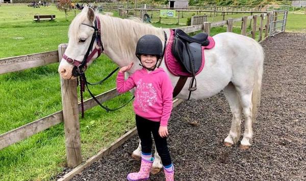 Pony rides (5-10 mins)